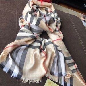 LIKE NEW REAL BURBERRY CASHMERE SCARF